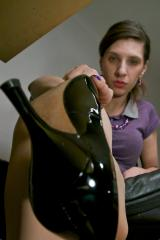 Under Desk with Goddess Melanies smelly nylons and worn heels